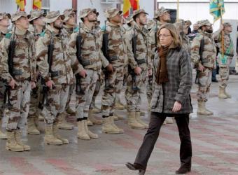 Chacon_visita_tropas_Afganistan[1]
