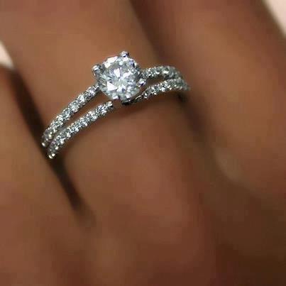Mas que un anillo de compromiso bienvepaz 39 s blog for En que mano se usa el anillo de compromiso