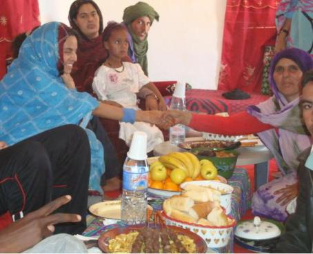 Koria con su tia y familia